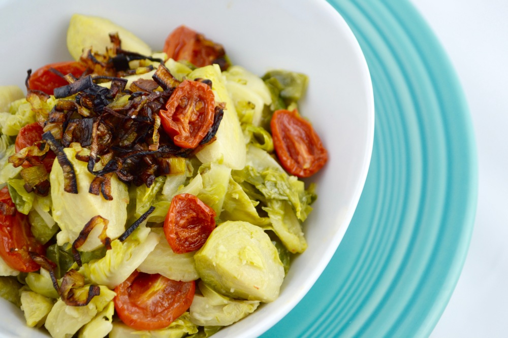 "Alt=""Garlic Brussels Sprouts and Roasted Tomatoes with Crispy Leeks"""